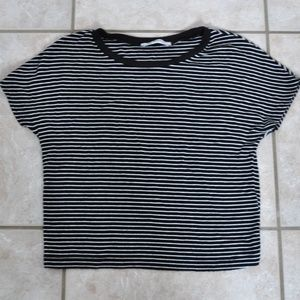 Trafaluc Black and White Striped Cropped Tee